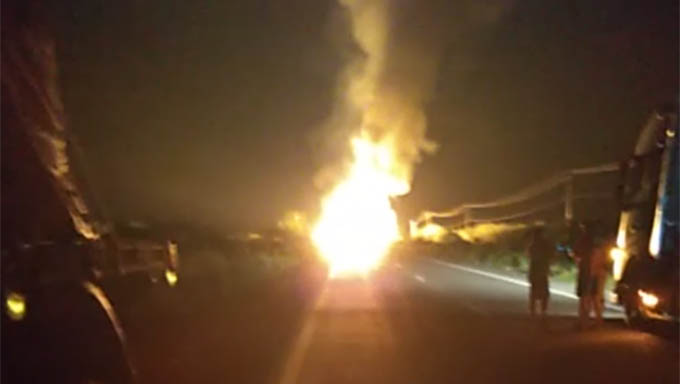 Sinalização do local que a carreta pegou fogo teria evitado a tragédia